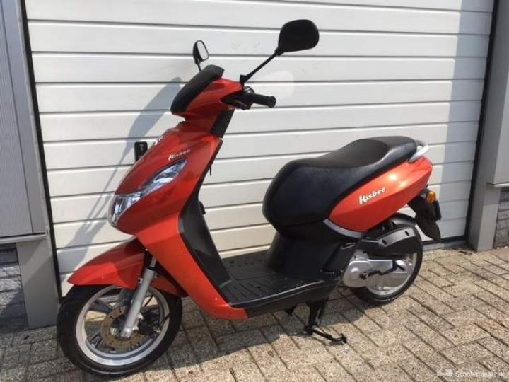 Peugeot Kisbee rood