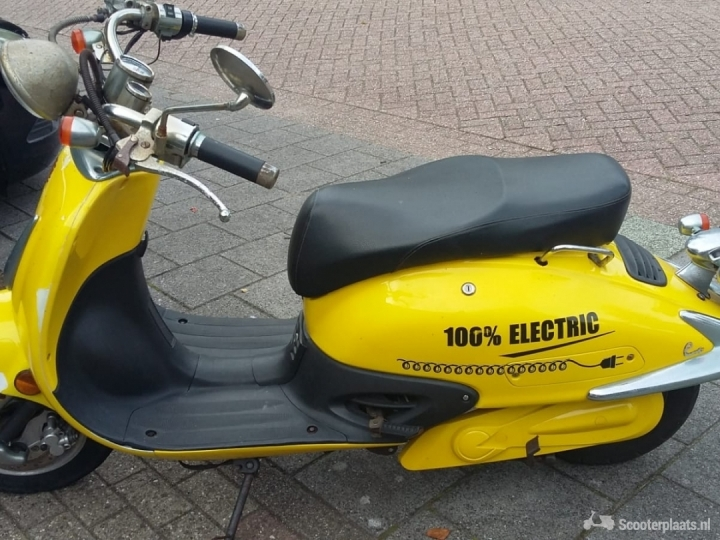 Ebretti 518 E-scooter geel