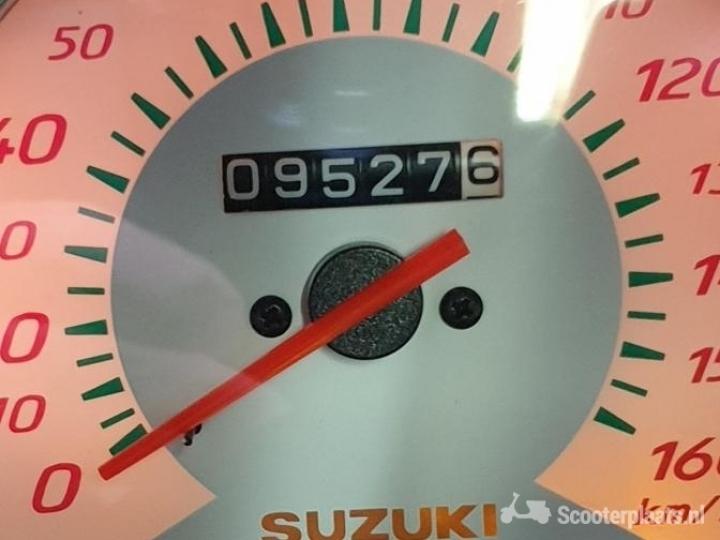 Suzuki Burgman wit