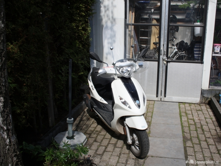 Piaggio Fly wit