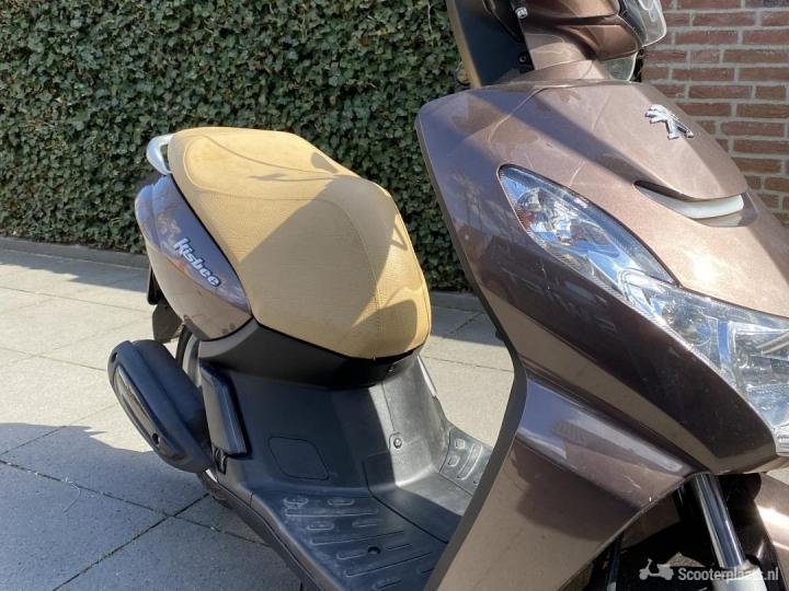 Peugeot Kisbee bruin