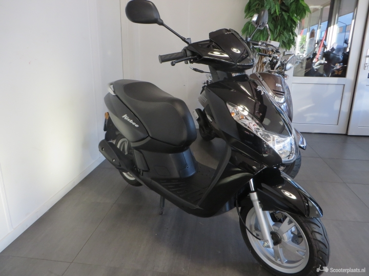 Peugeot Kisbee zwart