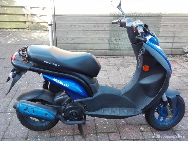 Peugeot Ludix blauw