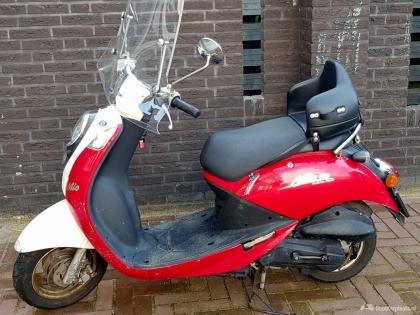 Sym Mio 4 takt snor scooter rood bouwjaar 2008