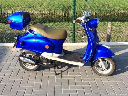 Snor Znen retro scooter, netjes en lage KM stand.