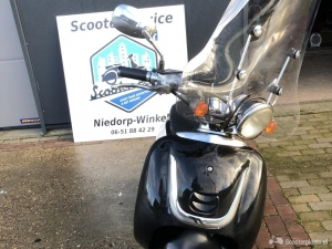 Zeer Nette Retro Scooter Geel Kenteken 2016 4 takt