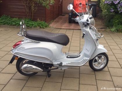 Vespa primavera touring scooter