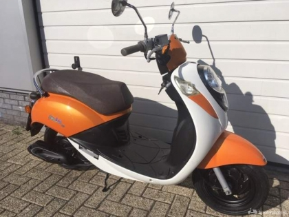 Sym Mio 50 4 takt bromscooter in prima staat
