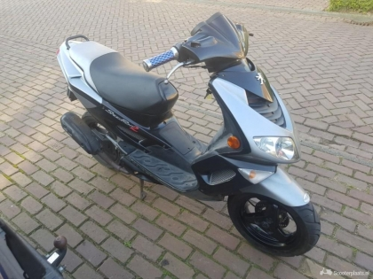 Peugeot speedfight 2 snor scooter 2takt 2005