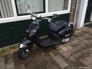 Aprilia habana costum retro scooter