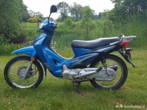 Lichte motorscooter 100cc