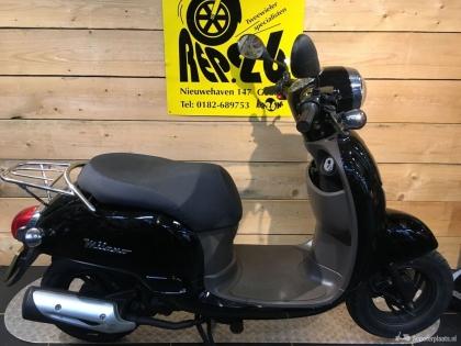 BTC Milano, bromscooter, voor 695 incl rijklaar