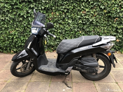 Kymco people s 4 takt scooter