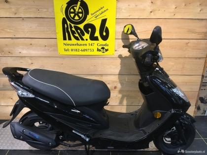 Kymco VP50, snorscooter, zwart, 995 incl rijklaar