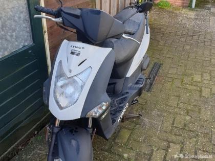 Mooie kymco scooter te koop