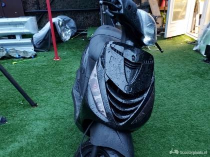 Piaggio zip 125cc met geel kenteken geen wok
