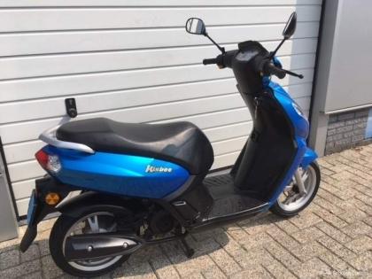Peugeot Kisbee blauw