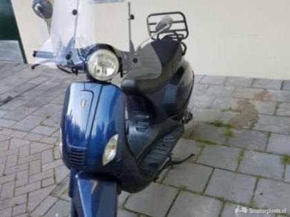BTC Riva snorscooter blauw
