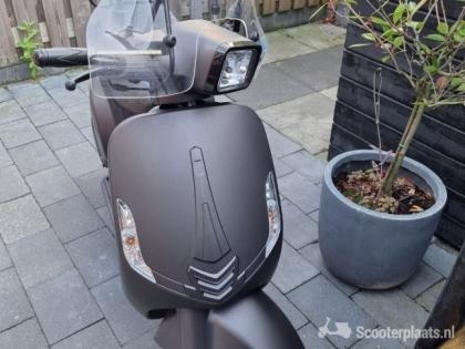 IVA lux50 vespa Scooter zeer nette staat!