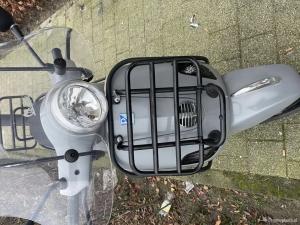 Vespa LX 50 grijs