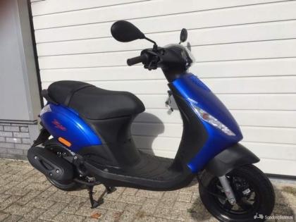 Piaggio Zip 4 takt Euro 4 Bromscooter