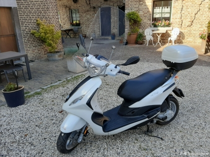 Scooter Piaggio Fly 4T
