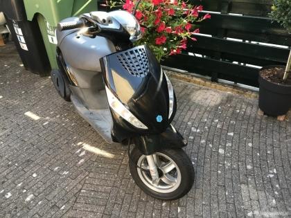 Scooter Piaggio Zip 4t