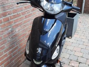 Peugeot V Clic zwart