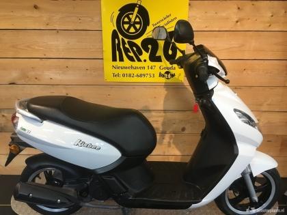 Peugeot Kisbee, wit, bromscooter, voor 1149 incl