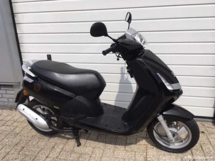 Peugeot New Vivacity Bromscooter