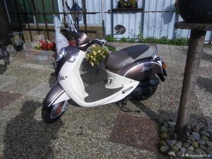 Te koop mijn prachtig mooie Sym Mio 25 km scooter