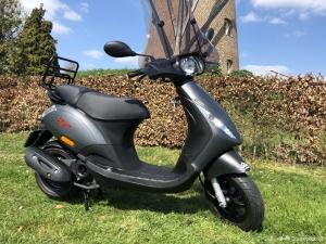 Hedendaags Piaggio Zip scooters | Veel Piaggio Zip scooters vind je hier AG-74