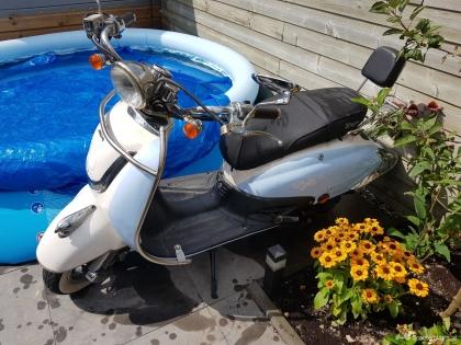 Nette agm retro scooter
