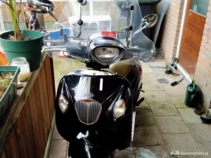 Agm retro scooter uit 2009