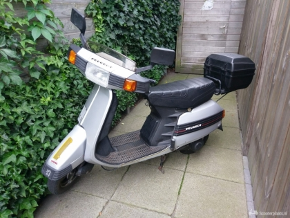 Peugeot SV 50 scooter