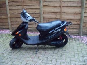 Snorscooter snor scooter blauw kenteken