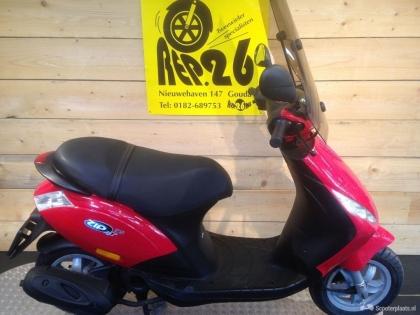 Piaggio Zip, bj 2011, rood, 1095 incl rijklaar
