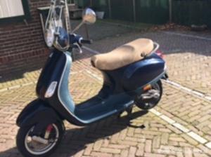 Vespa lx50 donkerblauw