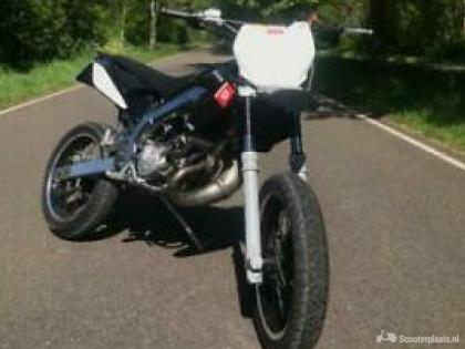 DERBI SR Black Edition 80 cc 2t (limited edition)