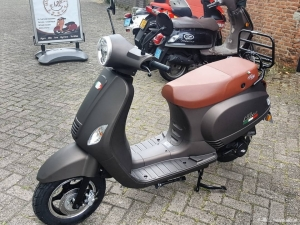 Iva Lux50 MAT taupe 950 KMSTAND!!