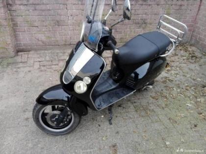 Nette BTC ( Boatian) Classico bromscooter