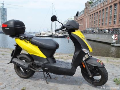Zeer goede staat scooter Kymco Agility 50 4T
