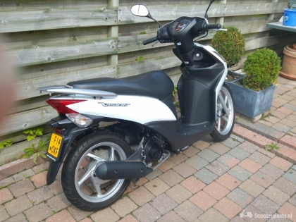 Honda Vision in nieuwstaat 3100 km !!!!