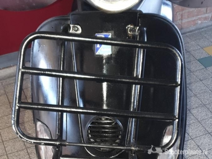 Vespa LX 50 zwart