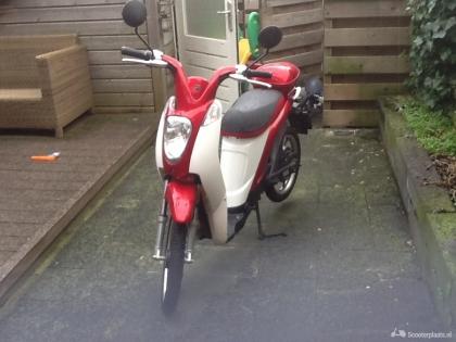 Mooie elektrische scooter