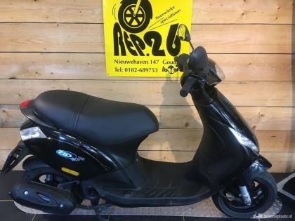 Piaggio Zip, zwart, snorscooter, 995 incl rijklaar