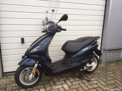 Piaggio New Fly 4 takt Snorscooter