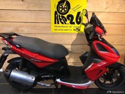 Kymco Super 8, rood, 4T, voor 795 incl rijklaar