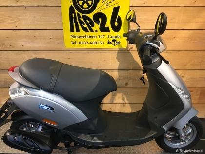 Piaggio Zip, zilver, bromscooter,995 incl rijklaar