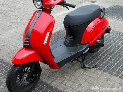 Prachtige BTC Riva 2 scooter in perfecte staat .